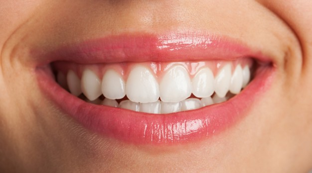 Cenik samoplačniških zobozdravstvenih storitev je tudi javno objavljen