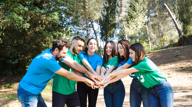 Teambuilding nas poveže v zabavni aktivnosti