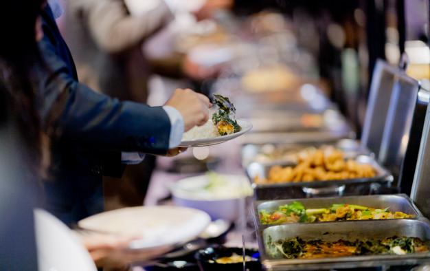 Catering cena na osebo je odvisna tudi od posameznega ponudnika