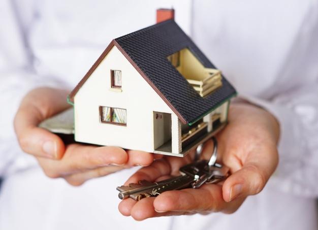 Prodaja hiš pod okriljem nepremičninske agencije